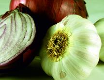 Kalbiniz için soğan sarımsak yiyin